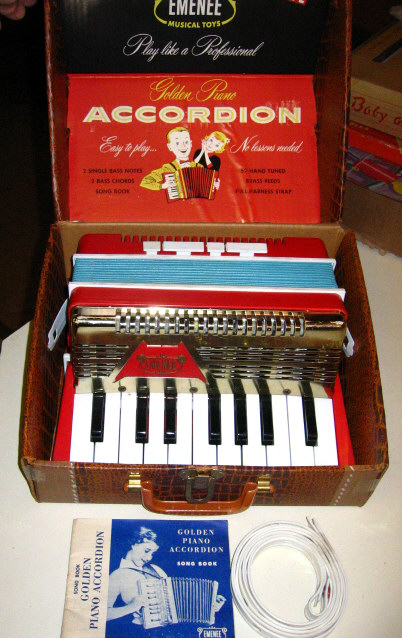 Emenee Accordion