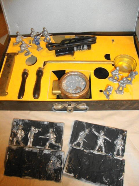 1950s Toy Soldier Metal Casting Set