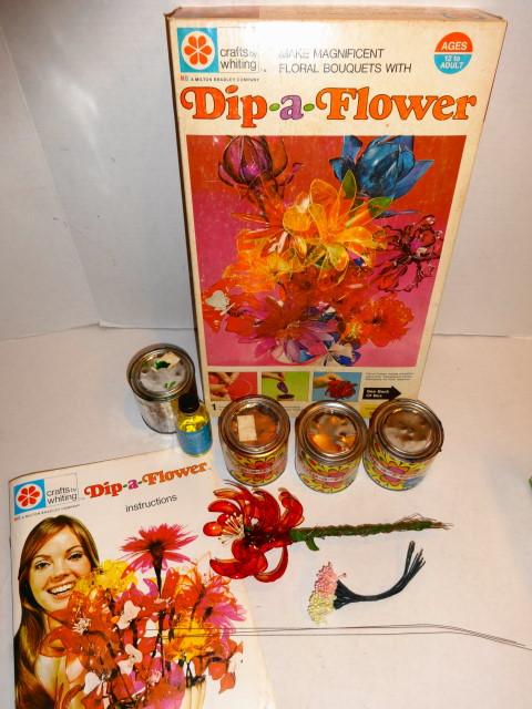 1971 Dip A Flower Craft Set