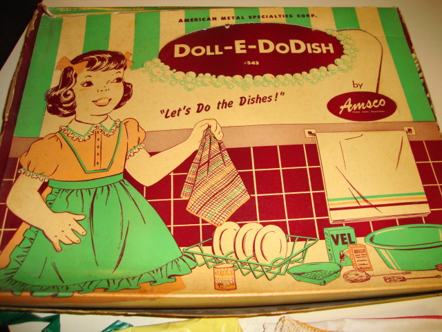 1950s Dish Washing Set