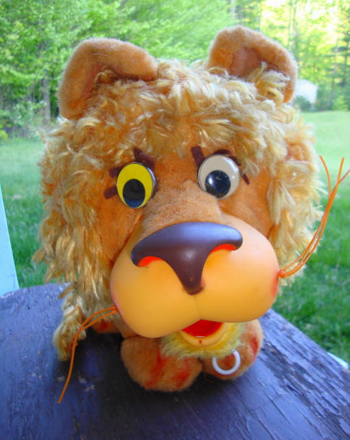 1962 Larry The Lion Talker by Mattel