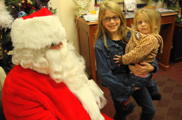 Alena 3, meeting Santa first time!