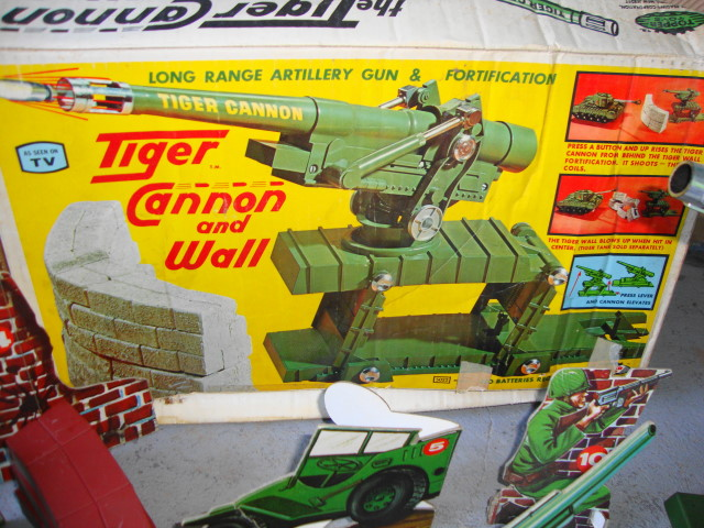 Tiger Cannon & Wall