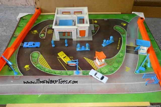 Thimble City Turnpike Garage by Remco 1965